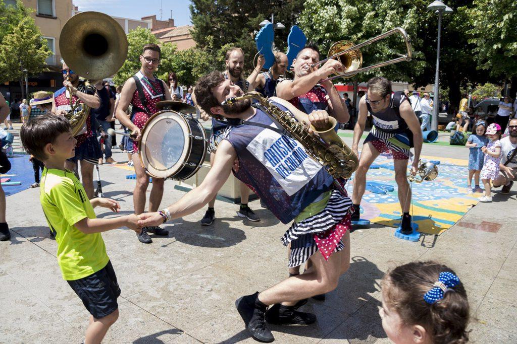 Más 10.000 personas han disfrutado en Binéfar de una intensa semana de actuaciones en la séptima edición de Imaginaria
