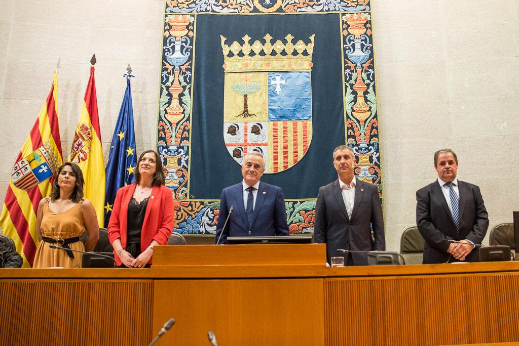 Javier Sada elegido presidente de las Cortes con los votos de la izquierda, PSOE y PAR