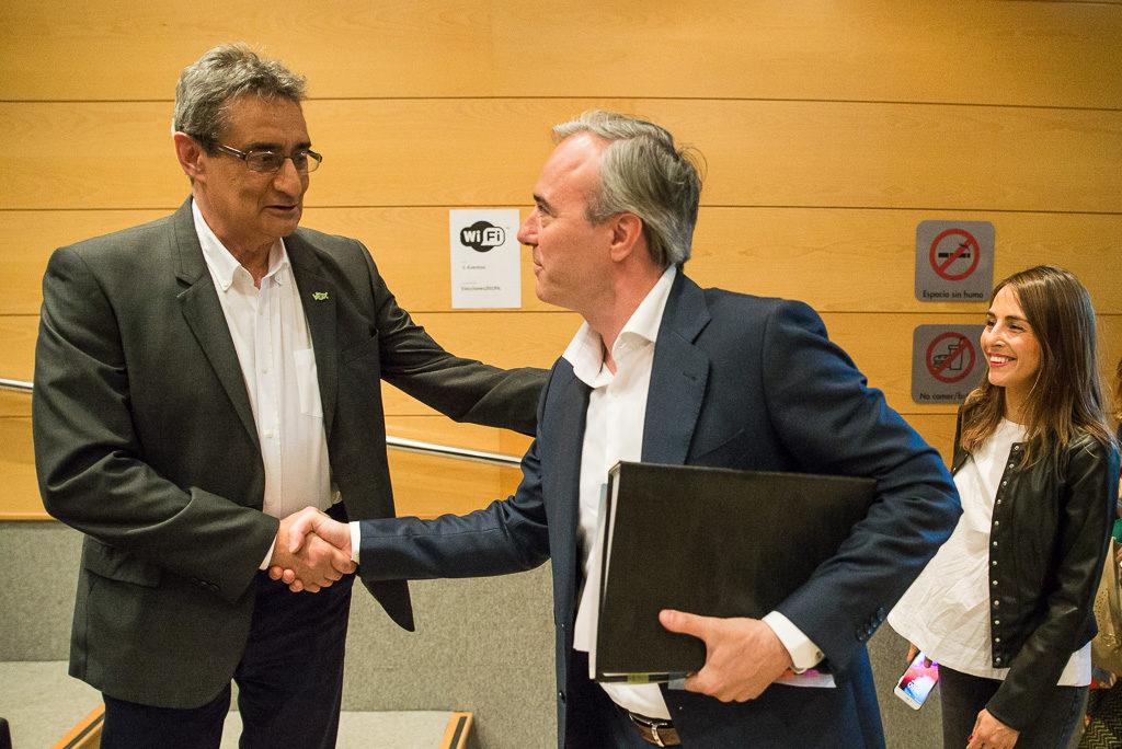 Azcón, alcalde de Zaragoza en una coalición de extrema derecha