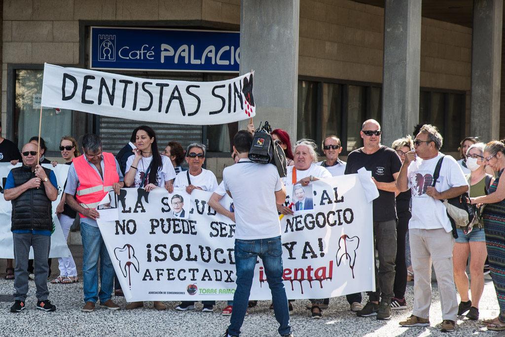 El Gobierno de Aragón sólo ha atendido a 12 de las 14.000 personas afectadas por iDental