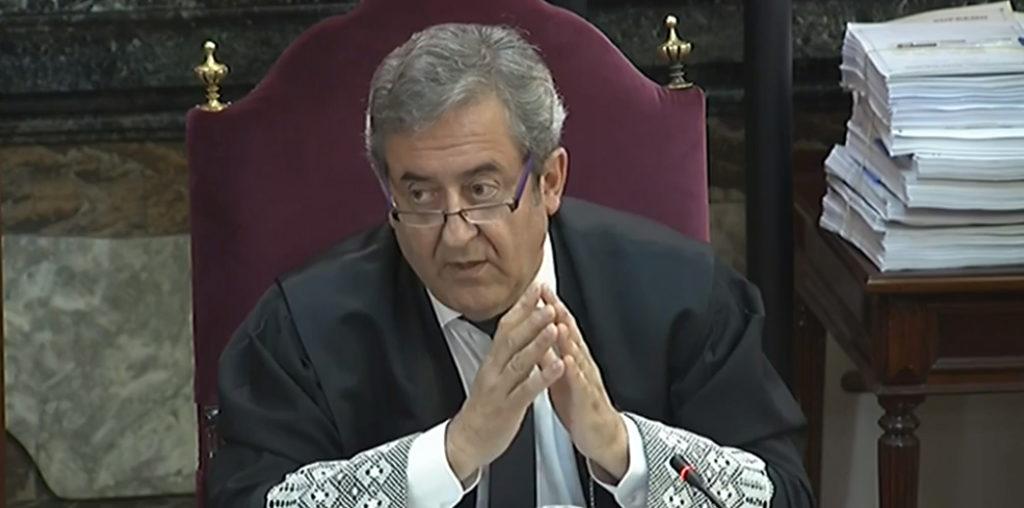 La Fiscalía recurre a un mitin ideológico para justificar su obcecada acusación por «rebelión»