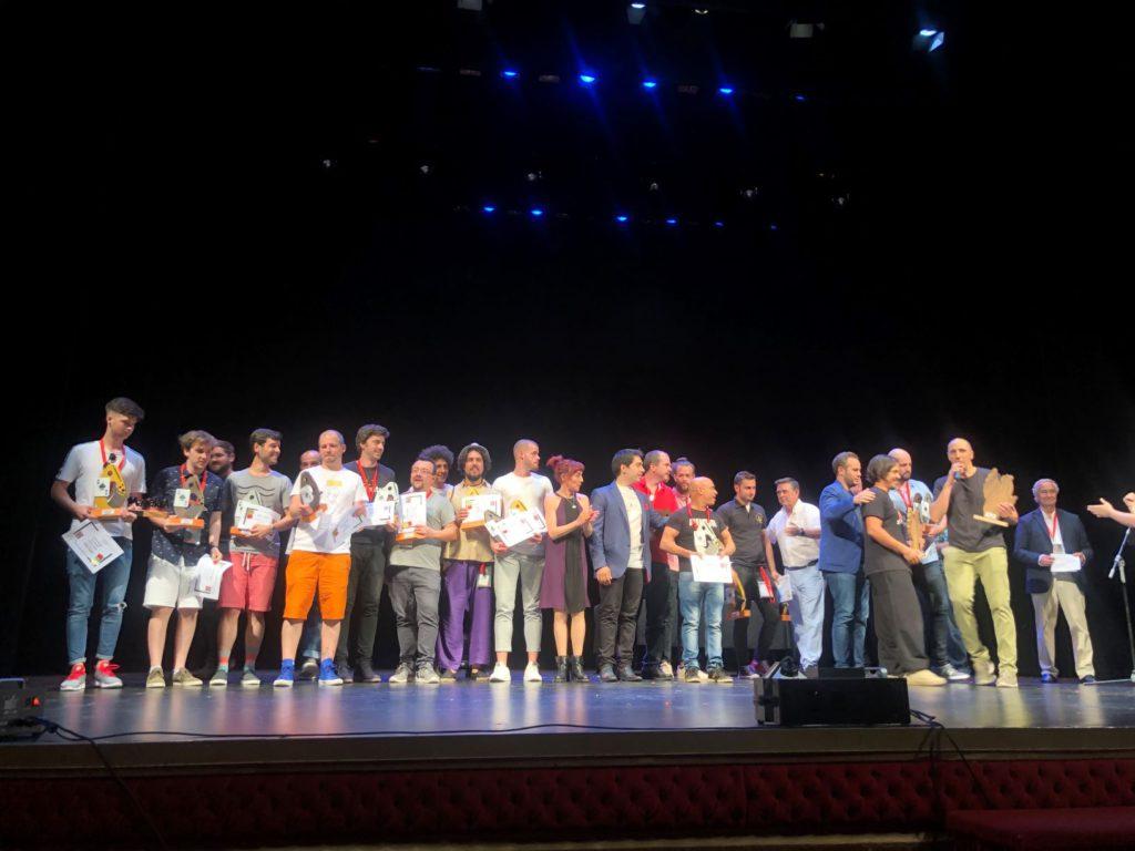 El mago aragonés Oihan Palacín logra el primer premio estatal de magia en la modalidad de manipulación