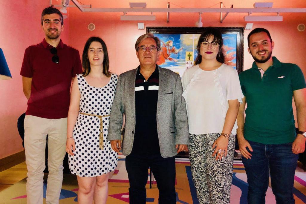 El Chustizia d'Aragón recibe a representantes del Personal Investigador en Formación de Unizar