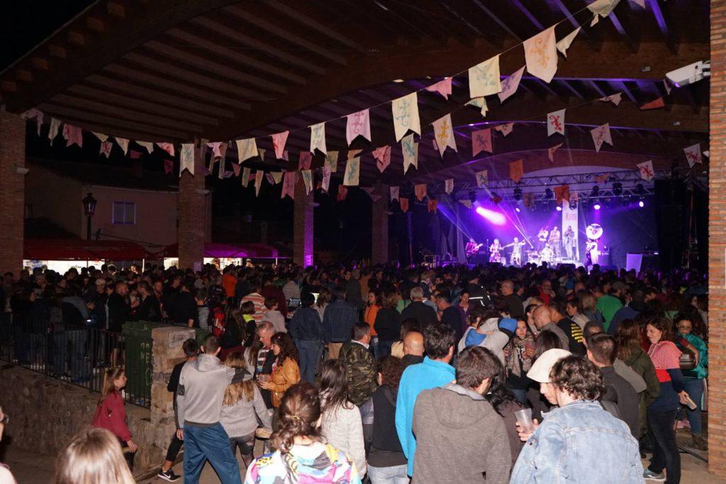 El Festival Poborina Folk llena la 'España Vaciada' de gentes, orgullo rural y músicas del mundo