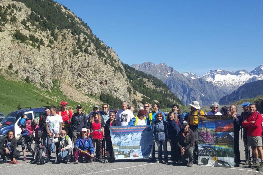 Graus y Cerler acogieron este fin de semana el primer encuentro en contra de la unión de estaciones de esquí en Castanesa