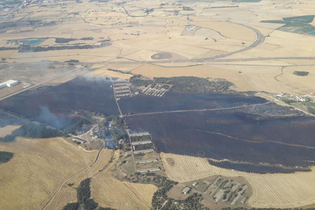 El incendio de Uesca queda controlado con 110 hectáreas quemadas, en su mayoría campos de cereal