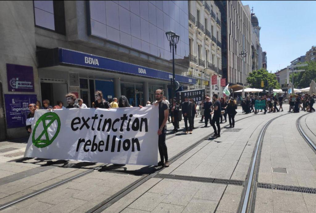 Extinction Rebellion Zaragoza celebra un funeral por el futuro