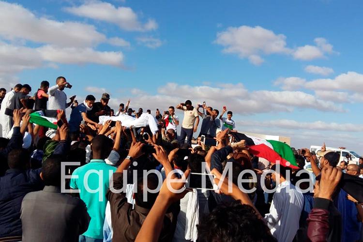 Paramilitares marroquíes impiden el funeral por el rapero saharaui fallecido en el naufragio de una patera