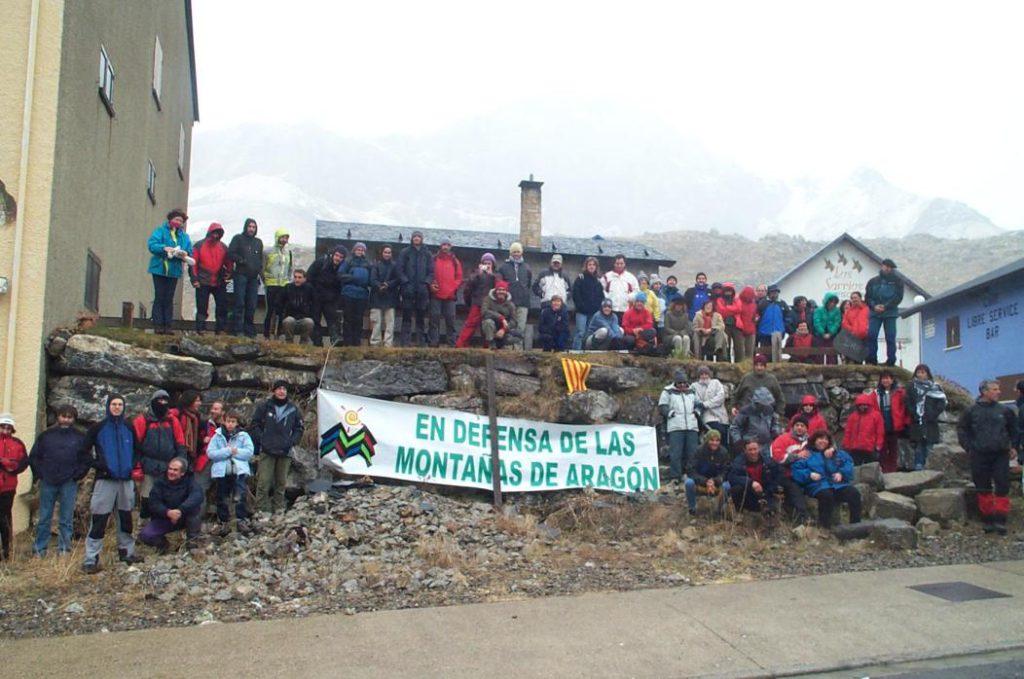 Movilizaciones ante la amenaza de inicio de las obras para unir las estaciones de Candanchú, Astún y Formigal