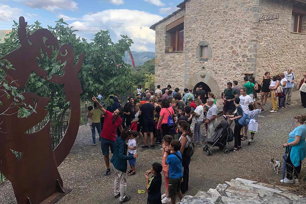 Títeres guante, clown, poesía y metateatro en la clausura del II Festival País de Moñacos