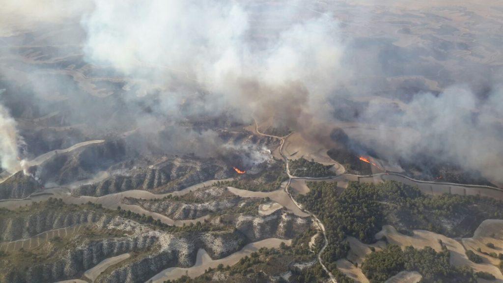 Un incendio en Leciñena arrasa más de 1000 hectáreas en la Sierra de Alcubierre