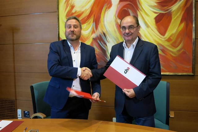 """PSOE y CHA sellan un pacto para la investidura de Lambán, """"un acuerdo de custodia del autogobierno y del estado de bienestar"""""""