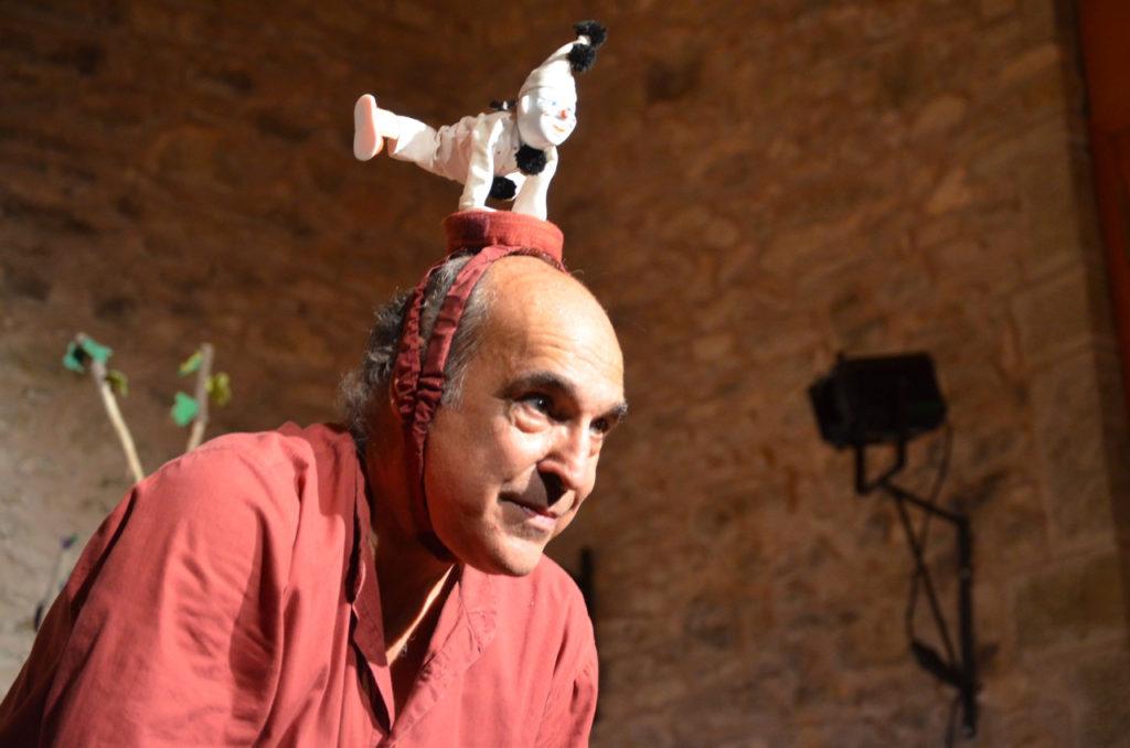 Los Titiriteros de Binéfar estrenan 'Memoria Histriónica' en el II Festival País de Moñacos