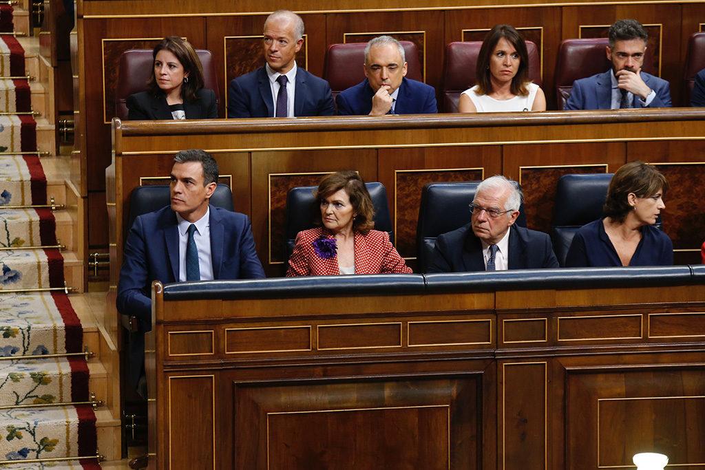 """Sánchez dice que """"hay que volver al punto de inicio"""" y Calvo cierra la puerta al gobierno de coalición"""