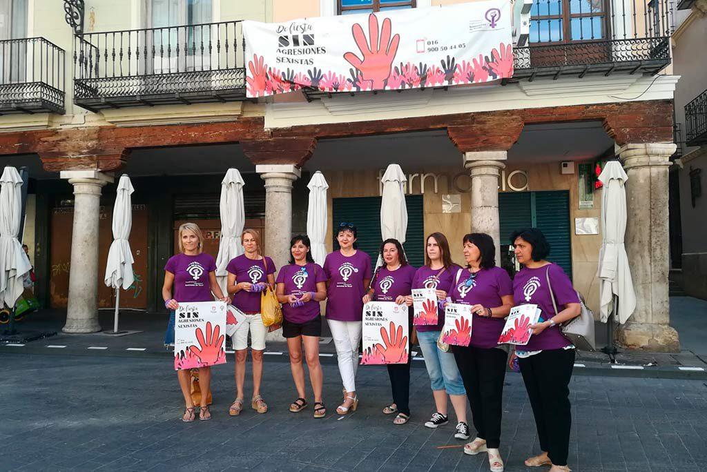 La Coordinadora de Organizaciones Feministas de Teruel presenta la campaña 'De fiesta sin agresiones sexistas'