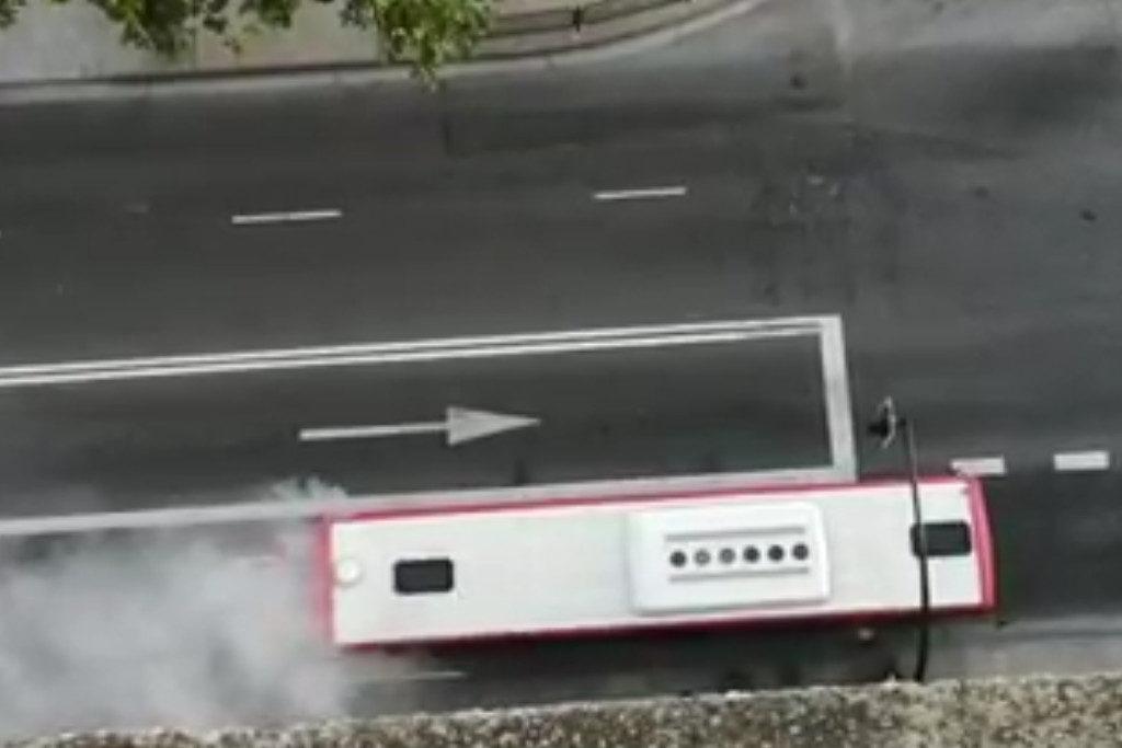 Otro incendio de un bus urbano en Zaragoza