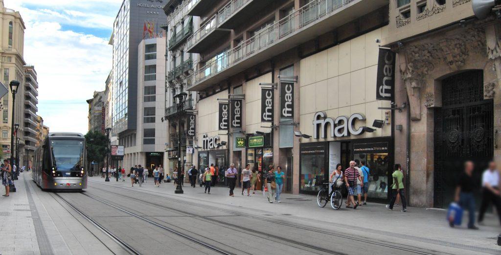 SOA denuncia a FNAC por mantener a su plantilla con temperaturas de más de 30 grados en el edifico del Coso de Zaragoza