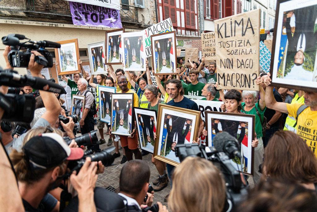 Los mandatarios del G7 juegan al Risk en Biarritz mientras se suceden las protestas de los movimientos sociales
