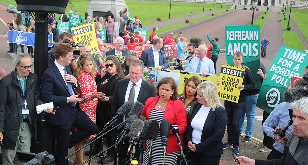 El Sinn Féin pide un referéndum de reunificación de Irlanda ante un Brexit duro