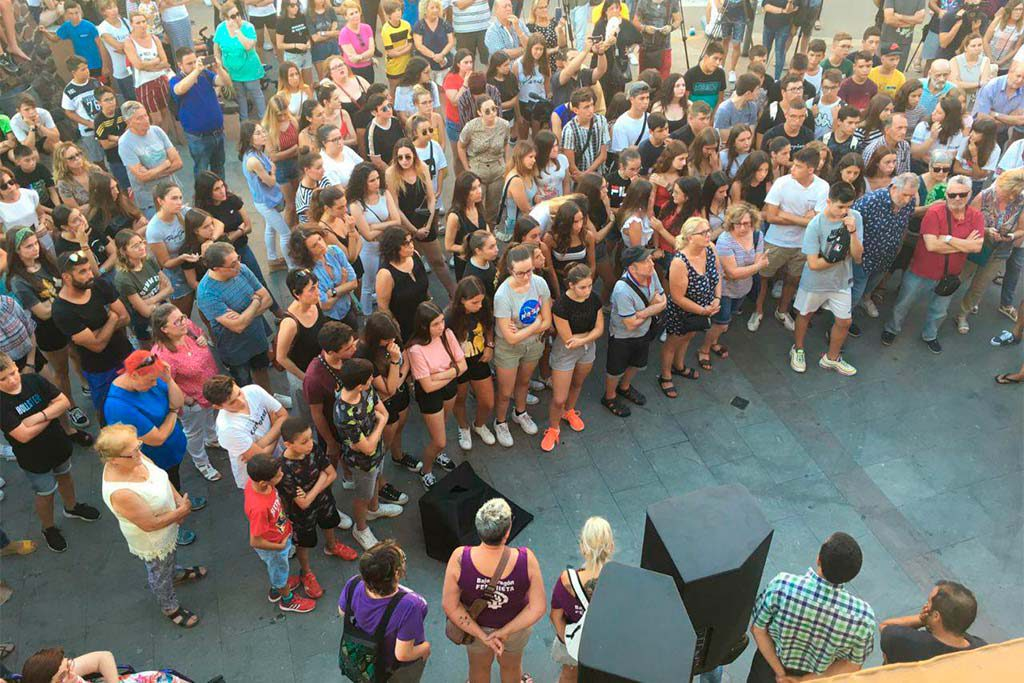 Andorra se despide del joven asesinado por su padre al defender a su madre