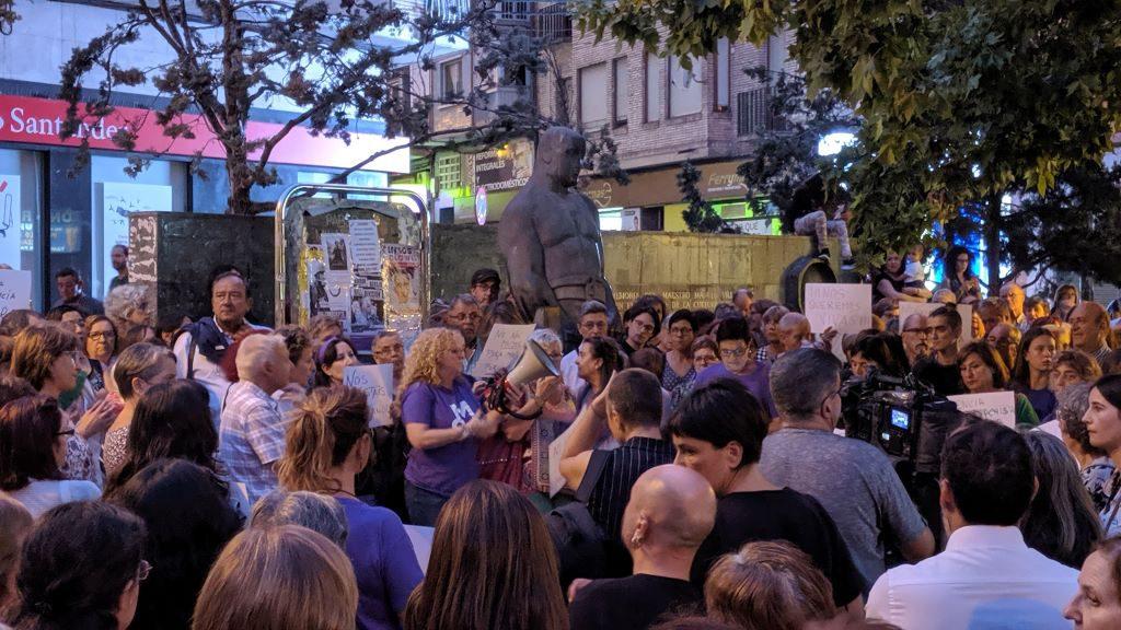 Torrero responde con una sonora cacerolada al intento de feminicidio y a la violencia patriarcal