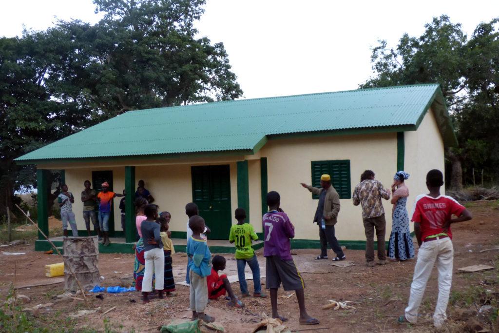 Tres centros sanitarios rurales de África ya ofrecen atención primaria completa y a mujeres embarazadas con la cooperación altoaragonesa