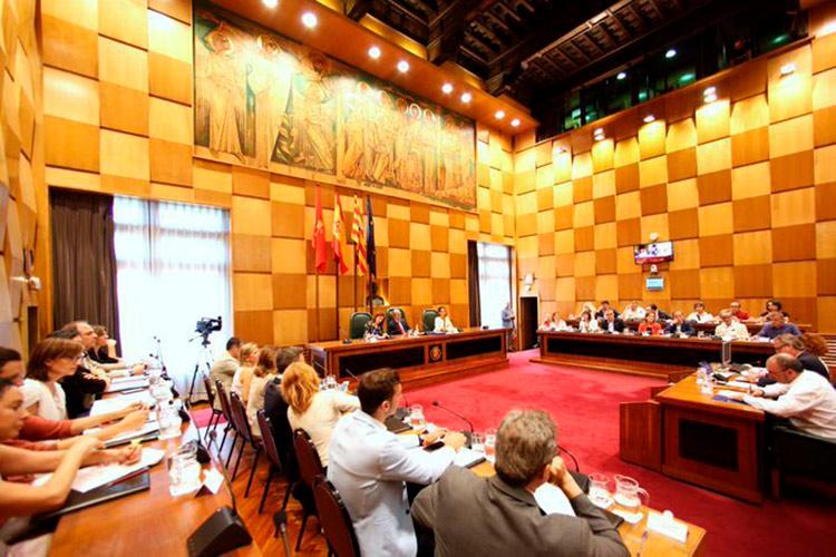 El Gobierno de Azcón da luz verde a Torre Village sin resolver las causas que lo ilegalizaron