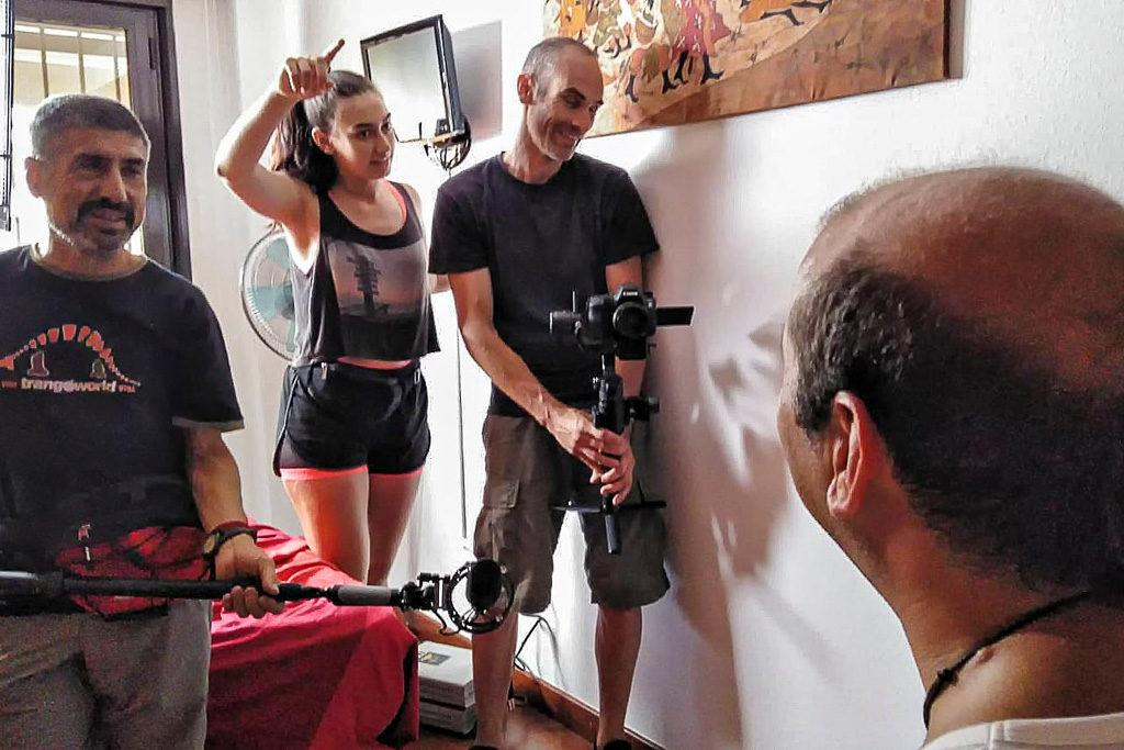 Laura Torrijo-Bescós comienza el rodaje de 'Otra forma de caminar', un documental centrado en la diversidad funcional y sensorial