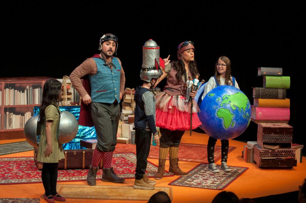 Jimena y Genaro regresan al Teatro Arbolé para contar que 'Y los sueños… libros son'
