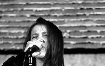 Ainara García presenta en La Pantera Rossa su primer libro de poemas titulado 'Poesíadicta'