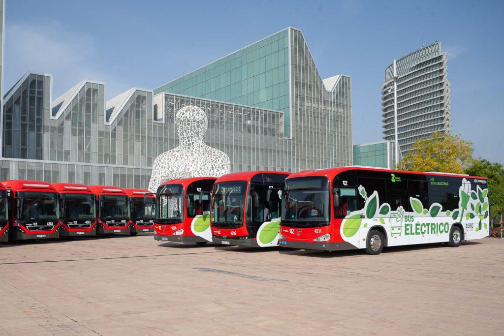 Denuncian reiteradas averías de las rampas de acceso para personas minusválidas en los autobuses híbridos de Zaragoza