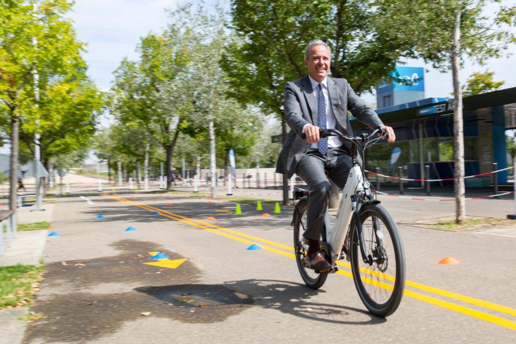 El casco obligatorio en bicicleta o el Día de la Marmota