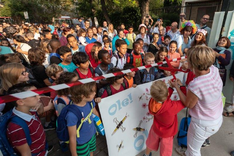 El barrio de La Madalena despertará este martes con un divertido pasacalles para celebrar la vuelta al cole