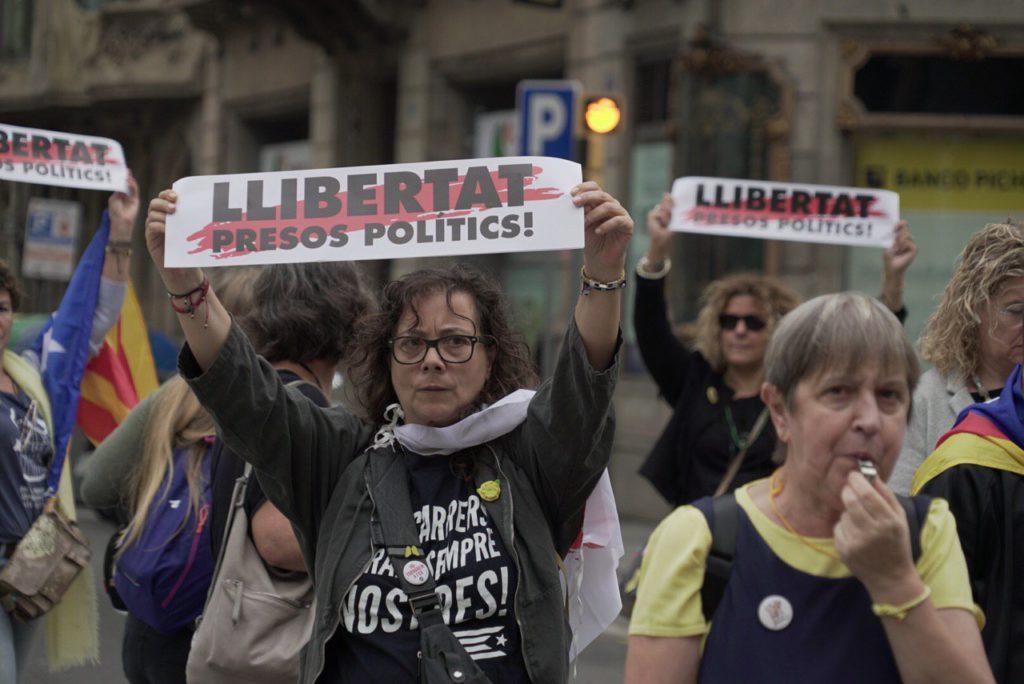 🔴 Un 'tsunami democràtic' inunda Catalunya en respuesta a la sentencia