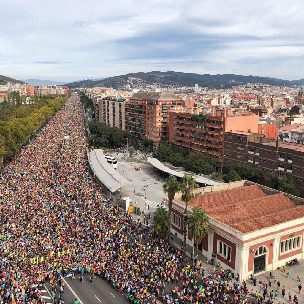 Las Marxes per la Llibertat y la vaga general se funden en Barcelona en una concentración multitudinaria