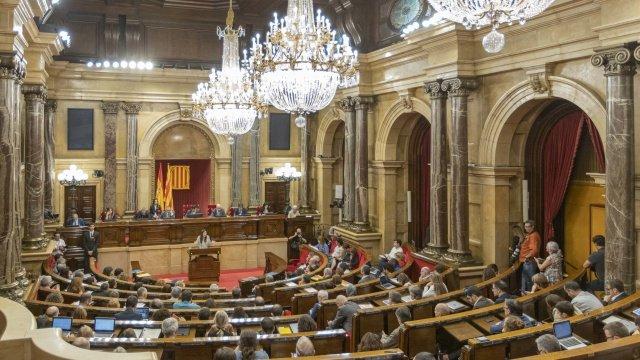 Ciutadans se dedica a atacar al PSC en su moción de censura fallida contra Quim Torra