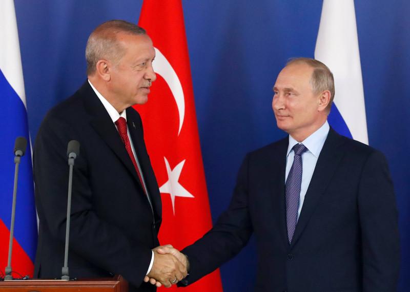 Rusia y Turquía pactan un acuerdo para obligar a las milicias kurdas a retirarse de Rojava