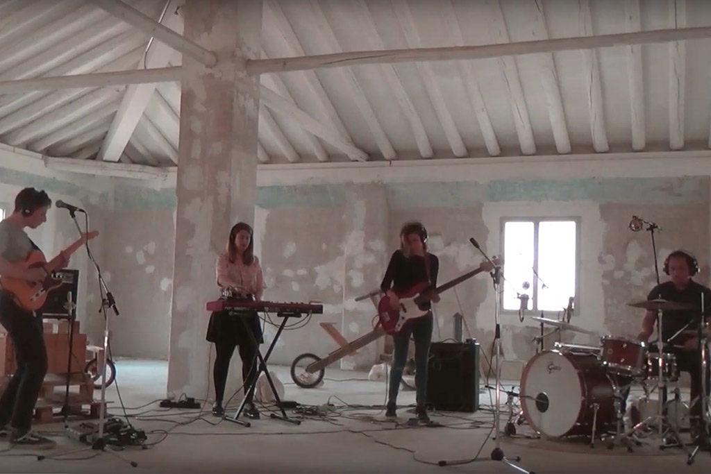 Un grupo de música, un espacio, dos cámaras y una mesa de grabación, llega 'Bandas en Sitios!'
