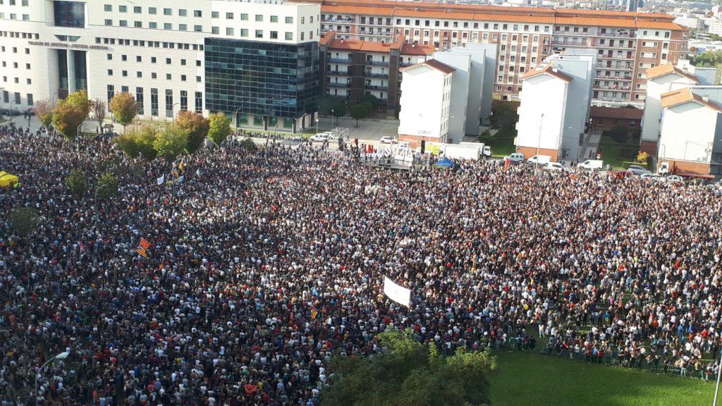 Altsasu: más de 50.000 personas se movilizan en Iruñea para denunciar la «injustizia» de la sentencia del TS