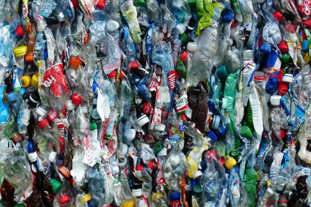 Coca-Cola, Nestlé y PepsiCo son las principales marcas que más contaminan con sus envases de plástico