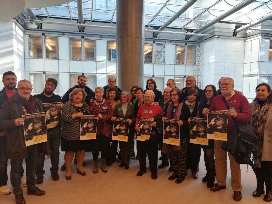 Colectivos de víctimas del franquismo llevan su testimonio a la Eurocámara 44 años después de la muerte del dictador