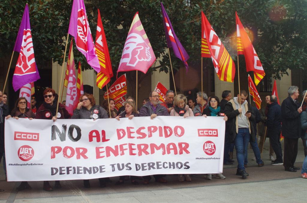 """CCOO y UGT se concentran en Aragón para denunciar los """"despidos por enfermar"""""""