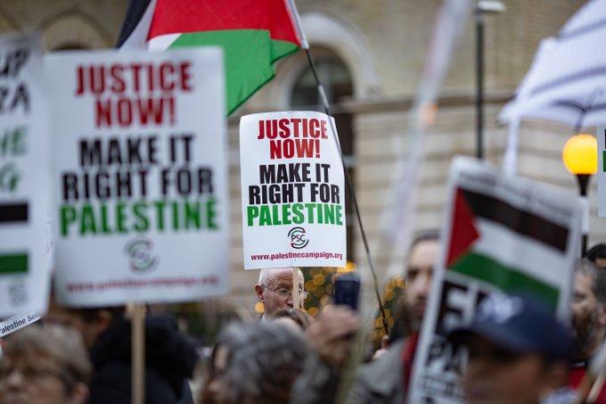 Gaza se despierta en medio de bombardeos