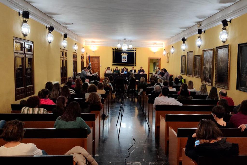 Tarazona acuerda mejorar el mantenimiento de instalaciones municipales tras el incendio en el CEIP Moncayo