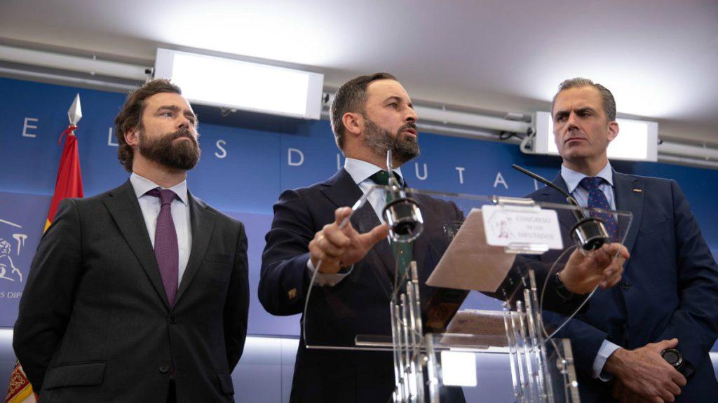 Vox ordena ocultar «temporalmente», hasta que pase la «tormenta mediática», a sus dirigentes que participaron en Belchite en un acto de exaltación del franquismo