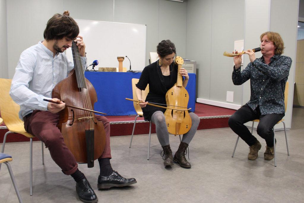 Biella Nuei cierra un año lleno de actividades que permiten hablar de un nuevo renacimiento de la música folk aragonesa