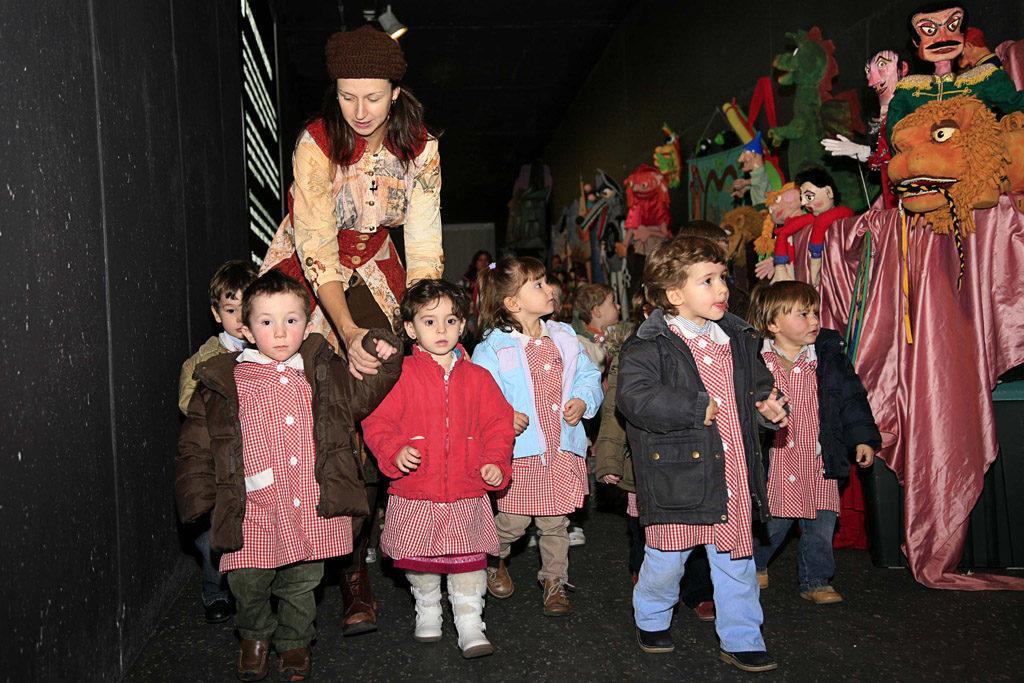 Cinco salas teatrales, entre ellas Arbolé, acometen un proyecto pionero para recuperar al público infantil y juvenil