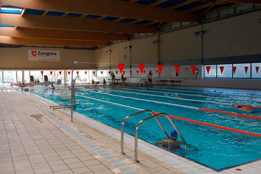 La piscina cubierta del Siglo XXI sigue cerrada, sin que se informe sobre las causas de la clausura y su posible reapertura