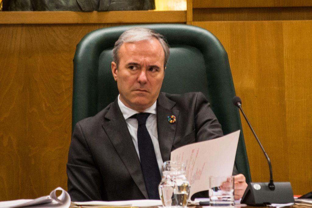 La oposición en bloque abandona el pleno ante el abuso de poder de Azcón