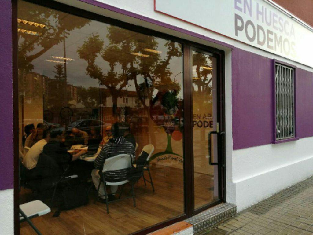 Podemos Huesca solicita la reposición de los carteles «Uesca ziudat bilingüe»